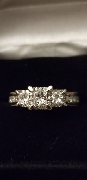 3 Stone Princess cut Diamond(1ct.) Engagement ring size 5 for Sale in La Mesa, CA