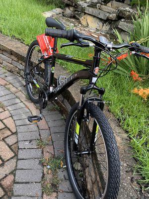 Schwinn mountain bike size wheel 26 aluminum frame 21 speed for Sale in Westbury, NY