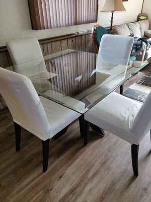 Kitchen Table with 4 chairs for Sale in Hickory Hills, IL