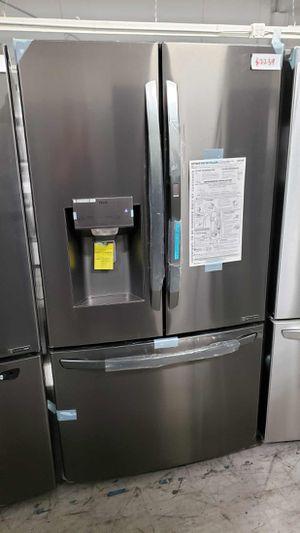 LG Fridge 29.7 cu. ft. Smart French Door Refrigerator, Door-In-Door Same day or next day delivery available for Sale in Stanton, CA