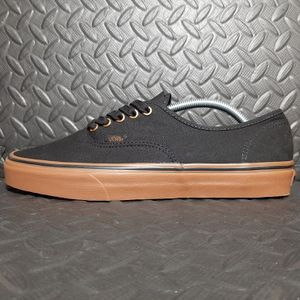 VANS AUTHENTIC CANVAS BLACK/ RUBBER VN000TSVBXH new with defect. Unisex mens 10.5/ women's 12 for Sale in Suffolk, VA