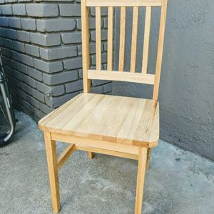 Set of 4 Wooden Dinette Chairs FREE. Solid Wood With Natural Finish. Porch Pick Up, Livermore for Sale in Livermore, CA
