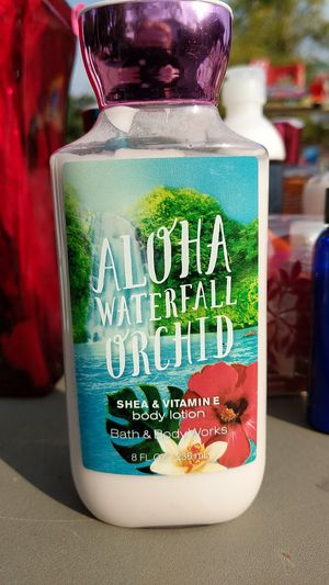 Aloha waterfall orchid body lotion by bath & body works 8 oz for Sale in Muskego, WI