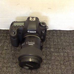 Canon 6D with tamron so 45mm f/18 lens for Sale in Denver, CO