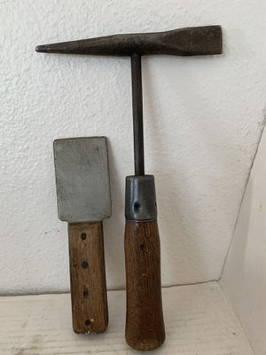 2 Vintage Tools Flat 2 Inch Chisel and Slag Hammer for Welders w Wood Handles for Sale in Beaverton, OR