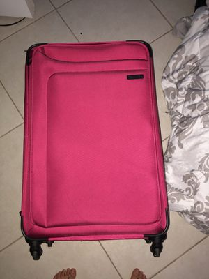 suitcase (IT brand) for Sale in Port St. Lucie, FL