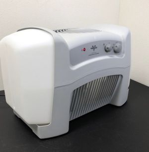 Vornado Evap40 4-Gallon Evaporative Air Humidifier with Adjustable Humidistat and 3 Speeds for Sale in Irving, TX