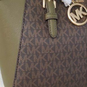 Michael Kors Bag for Sale in Riverside, CA