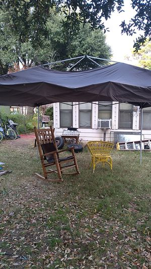 Pop up tent for Sale in Arlington, TX