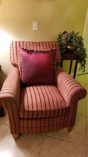 ACCENT CHAIR! for Sale in Upland, CA
