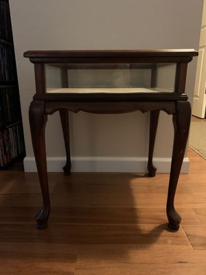 Display case end table for Sale in Broomfield, CO