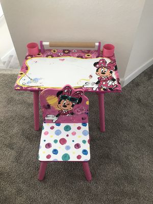 Minnie Mouse desk for Sale in Kissimmee, FL
