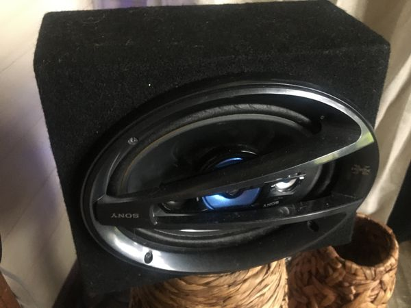 Sony 300 watt car speakers with enclosure