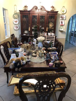 Antique dining table set for Sale in Coconut Creek, FL