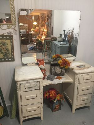 Make-up Vanity! $225 Available at: The She Shed 1518 19th Street for Sale in Bakersfield, CA