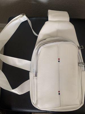White waist bag for Sale in Hialeah, FL