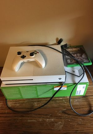 Xbox 1 S With WWII for Sale in Whittier, CA