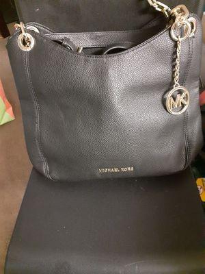 Michael Kors hands bag brand new for Sale in Orlando, FL