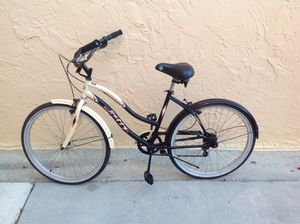 BICYCLE BEACH CRUISE 7 SPEED EXCELLENT CONDITION for Sale in Miami, FL