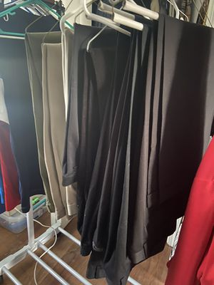 Men's dress pants & jeans for Sale in Shrewsbury, MA
