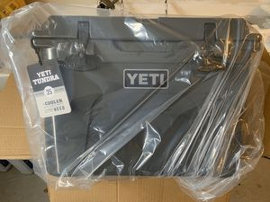 Yeti tundra 35 cooler for Sale in Chesapeake, VA