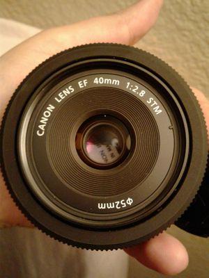 Canon lense 40mm for Sale in Sacramento, CA