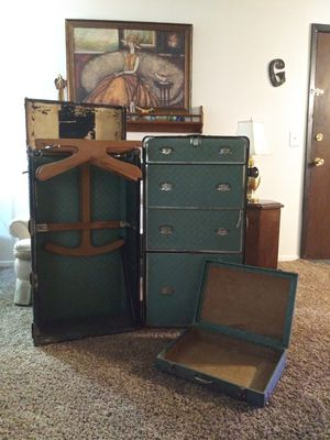 Made 1914 ANTIQUE WARDROBE TRUNK for Sale in Oklahoma City, OK