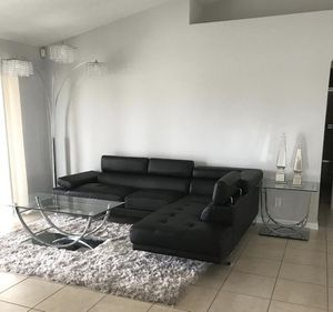 Black sectional// financing available only $49 down payment for Sale in Hialeah, FL