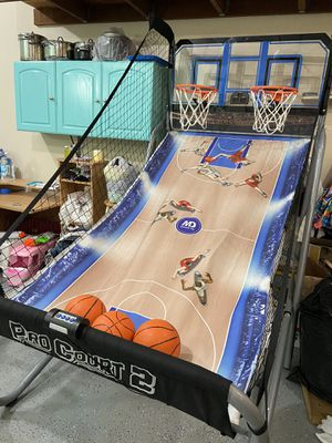 Basketball Hoop Game in good condition for Sale in Beaverton, OR