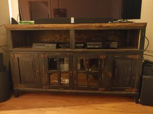Rustic imports mm-comb tv stand for Sale in Register, GA