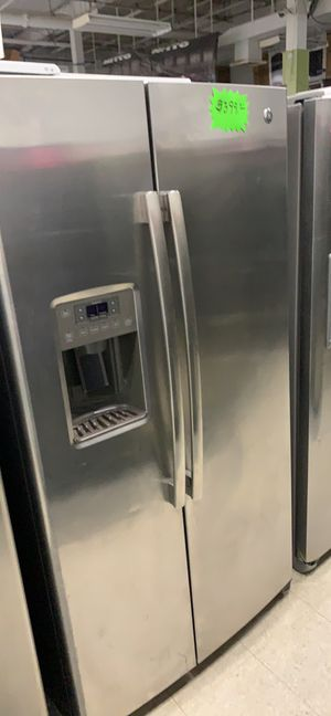 Fe side by side stainless steel refrigerator in perfect condition for Sale in Elkridge, MD