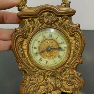 Antique Clock for Sale in Richmond, IL