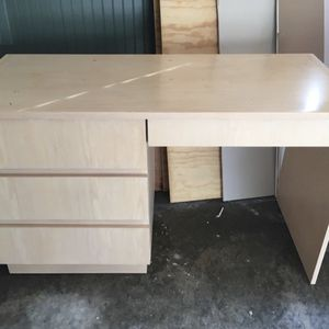 Solid Wood Desk With Hutch for Sale in Atlanta, GA