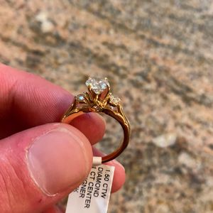 1 Carat Wedding Ring. 1.5 Carats Total. Stamped 14k Gold. for Sale in Fairfax, VA