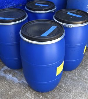 33 GALLON DRUMS with LID and securing CLAMPS • CLEAN for Sale in Chesterfield, MO