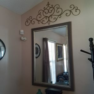 Silver mirror with silver metal wall decor for Sale in Powder Springs, GA