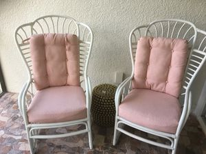 Patio furniture 4 chairs & glass table for Sale in Clermont, FL