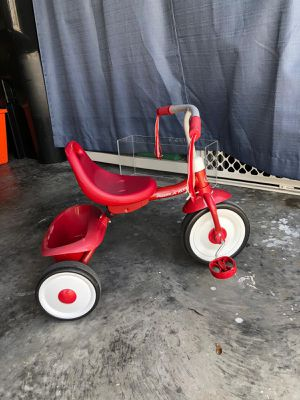 Radio Flyer Folding Trike Best Bike For Kids Toddlers Fully Assembled Tricycle for Sale in Alafaya, FL