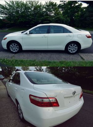Fantastik2OO8 Toyota Camry XLE Price$8OO 4IXFW4 for Sale in Chicago, IL