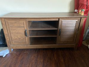Wooden table/TV stand for Sale in San Clemente, CA