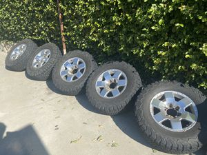Fj cruiser stock wheels with 5 BFGoodRich 275/70 R17 tires for Sale in Burbank, CA