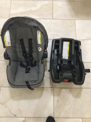 Graco click connect Car seat and Base for Sale in Jersey City, NJ