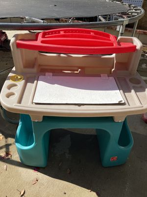 step 2 desk for kids for Sale in Moreno Valley, CA