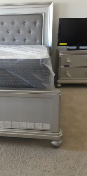 Pillow top king size mattress sets $349.99 (Mattress and boxsprings only) for Sale in Tampa, FL
