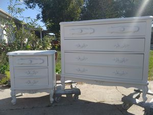 2 Piece French Provincial Bedroom Set for Sale in Holiday, FL