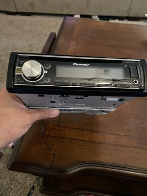 Pioneer Cd receiver DEH-6700BT for Sale in Tucson, AZ