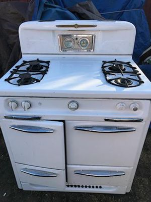 Antique 1950's Wedgewood Gas Stove (Requires Restoration) for Sale in San Jose, CA