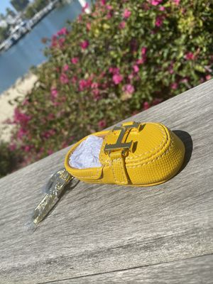 Hermes Bag Charm Yellow💛 ‼️FOLLOW US ON INSTAGRAM @hypefashn for Sale in Long Beach, CA