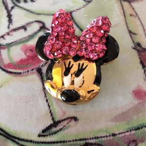 Minnie Mouse Crystal, Gold pin for Sale in Fairfax, VA