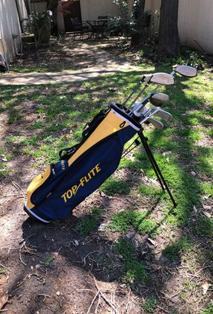 Top Flite Child's Golf Clubs and Bag for Sale in Dallas, TX